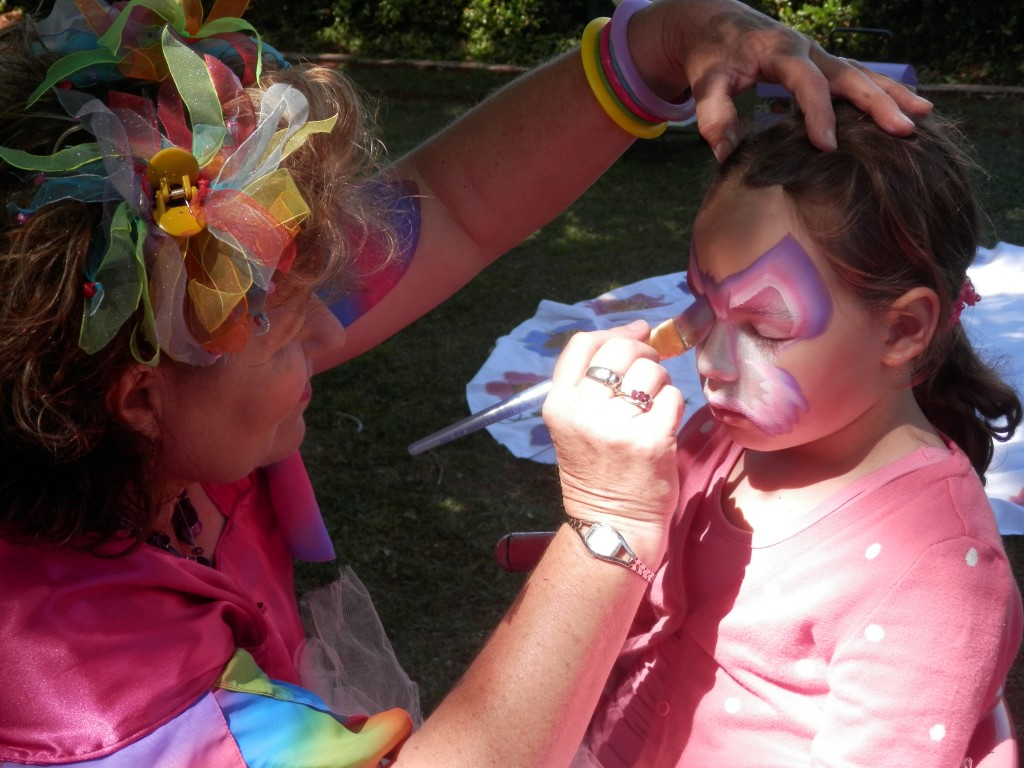 Sparkles painting the face of one of Miss 6's gorgeous little friends. (I'm careful to only use photos  of children whose parents have given permission). And if you would like Sparkles' contact details, you can message me on my FB page.